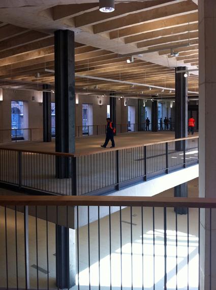 Somosarquitectura nueva sede del coam luz y aire para for Piscina escuelas pias